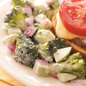 Fresh Broccoli Salad with Apple and Bacon