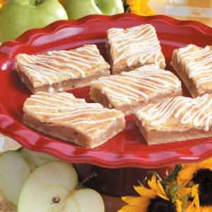 Potluck Apple Pie Bars