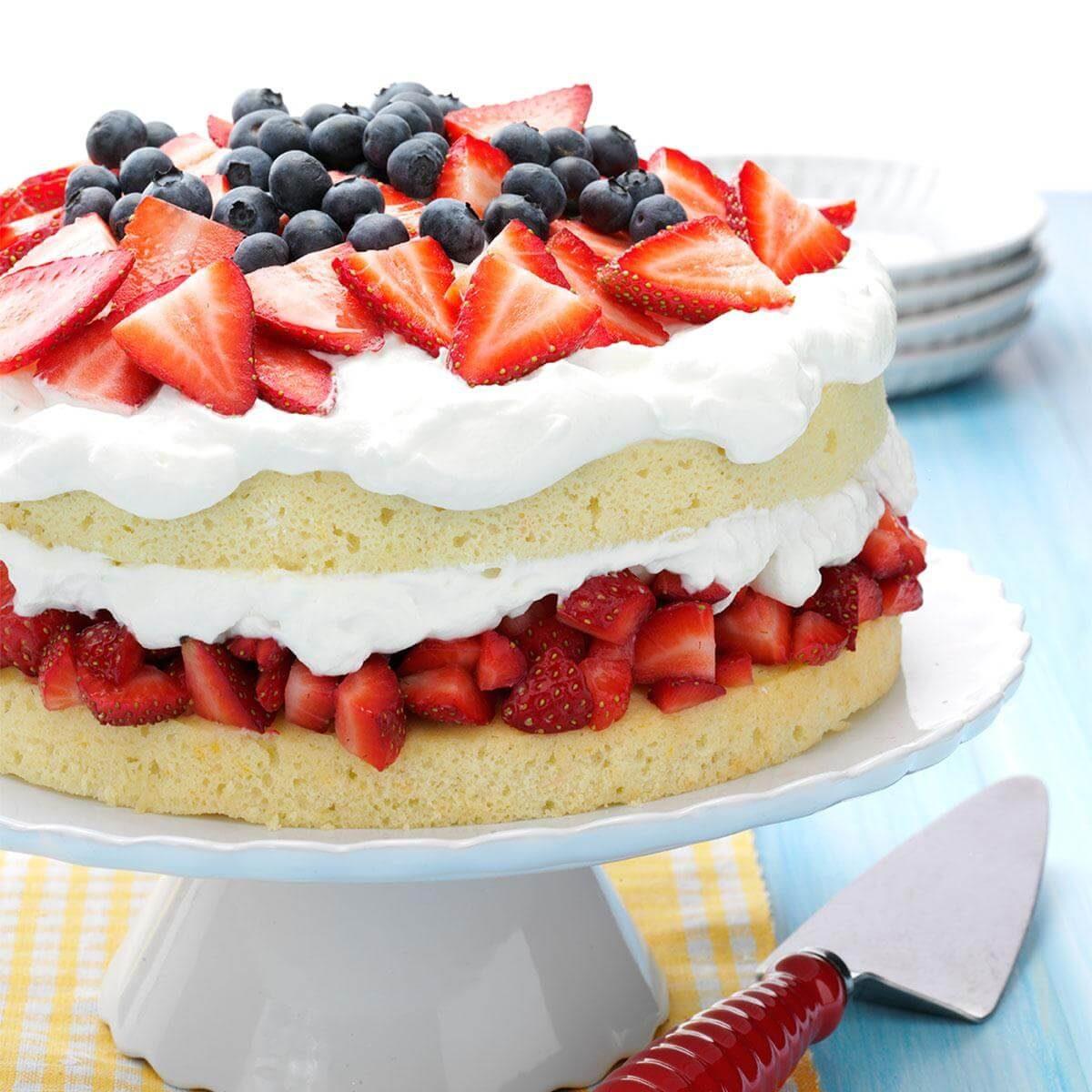Layered Strawberry Cream Cake Recipe