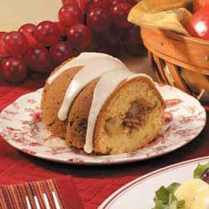 Pear-Filled Bundt Cake