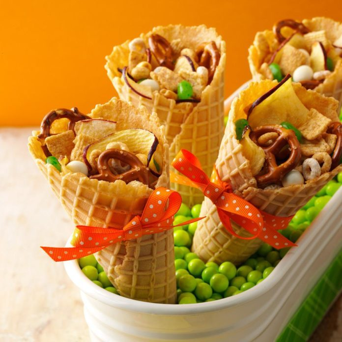 Apple Snack Mix