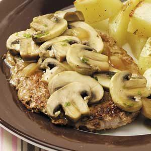 Veal with Mushroom-Wine Sauce