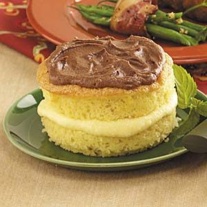 Boston Cream Sponge Cakes