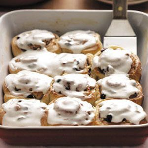 Pecan-Raisin Cinnamon Rolls