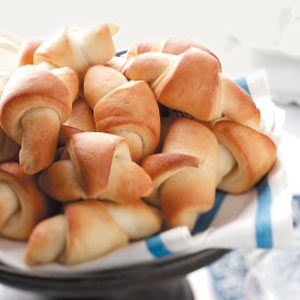 Simply-a-Must Dinner Rolls
