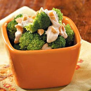Tangy Broccoli with Peanuts