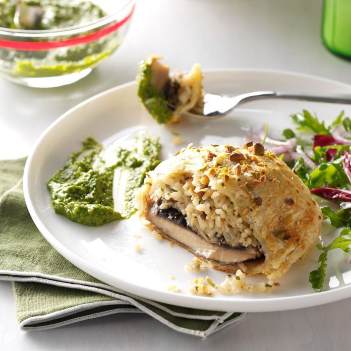 Portobello Wellingtons with Spinach Pistachio Pesto