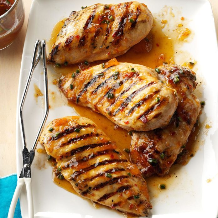 Spicy Peach-Glazed Grilled Chicken
