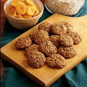 Soft Oatmeal Apricot Cookies
