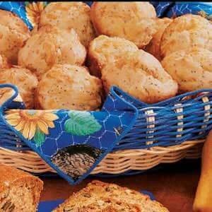 Poppy Cheddar Muffins
