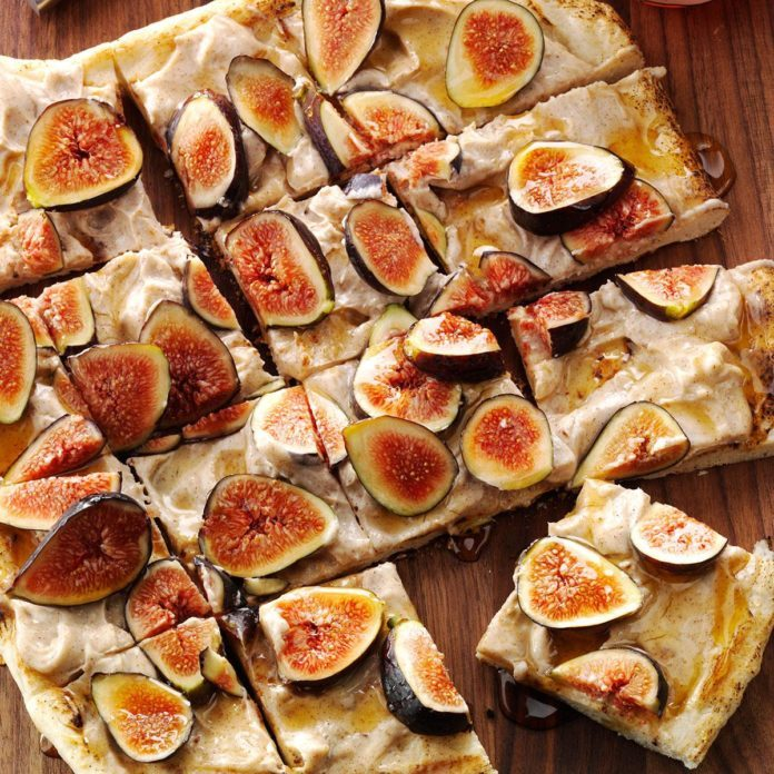 Grilled Fig and Honey Pizza