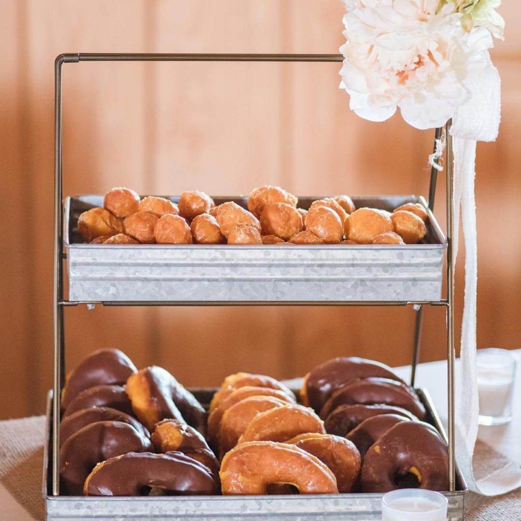 10 Dessert Table Ideas To Make Your Wedding Reception