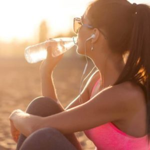Drinking This Many Glasses of Water a Day Burns 490 Calories Every Week