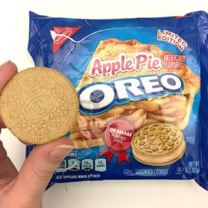We Tried the New Apple Pie Oreo Flavor, and Here's What You Need to Know
