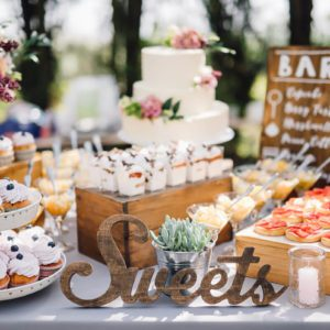 10 Dessert Table Ideas to Make Your Wedding Reception ...