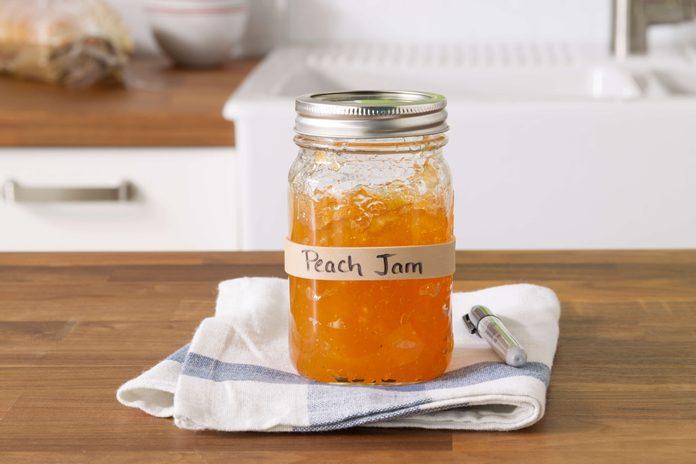 rubberbands, jar, kitchen, label jar, jam