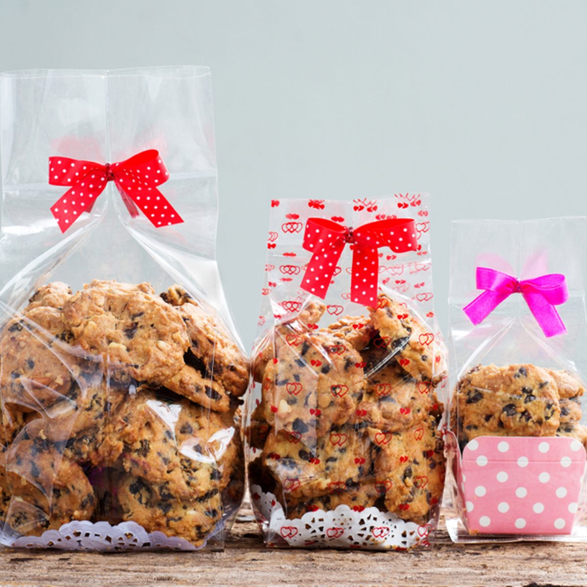 chocolate chip cookies in plastic bag packaging.; Shutterstock ID 1144868072; Job (TFH, TOH, RD, BNB, CWM, CM): TOH