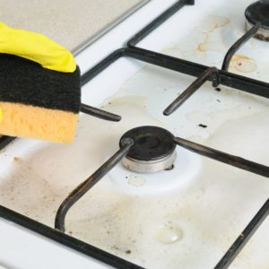 3 Quick (and Foolproof) Ways to Clean Your Stovetop Burner Grates