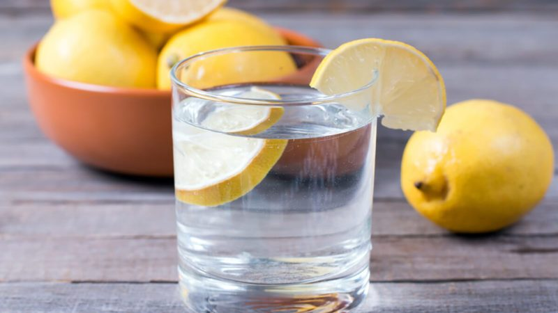 Best hydration drink, glass of water with lemon