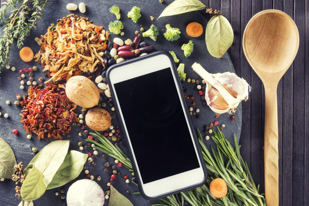 10 Food Apps Every Foodie Must Download to Their Phone Now