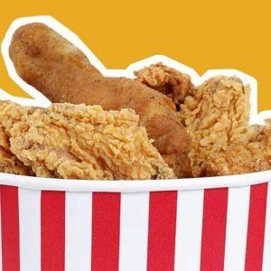 Crispy chicken in a bucket