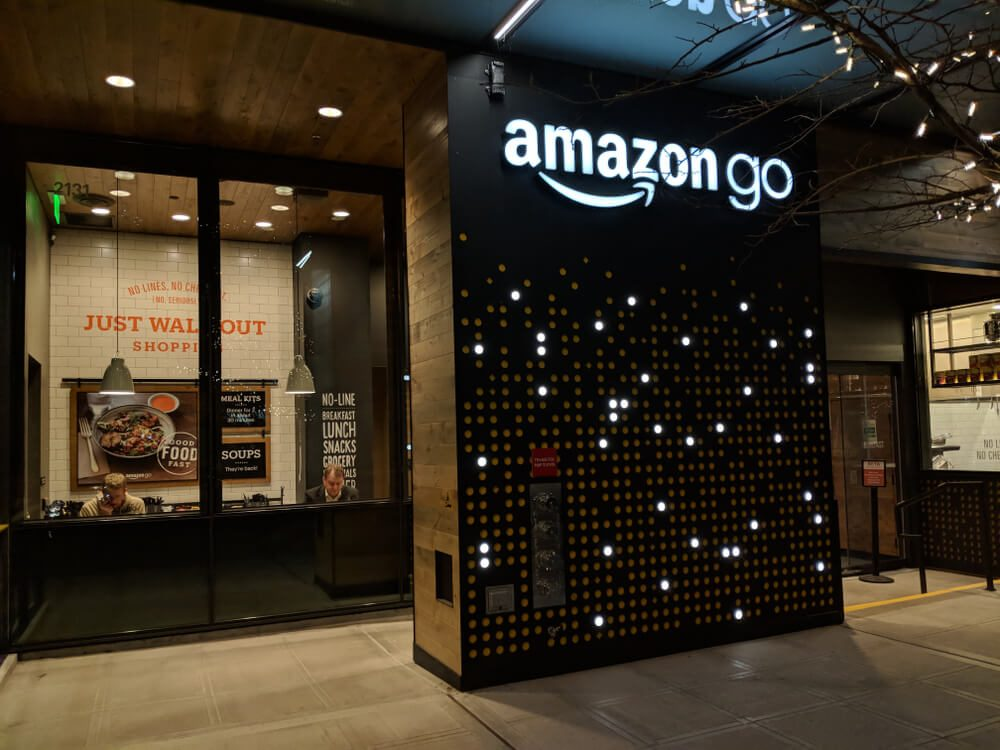 Amazon Just Opened a New Store Without a Single Cashier ...