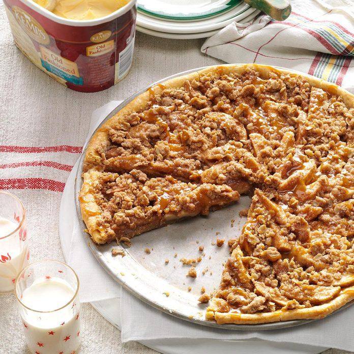 Apple Crisp Pizza Exps1135 Tg133212b05 24 5b Rms 3