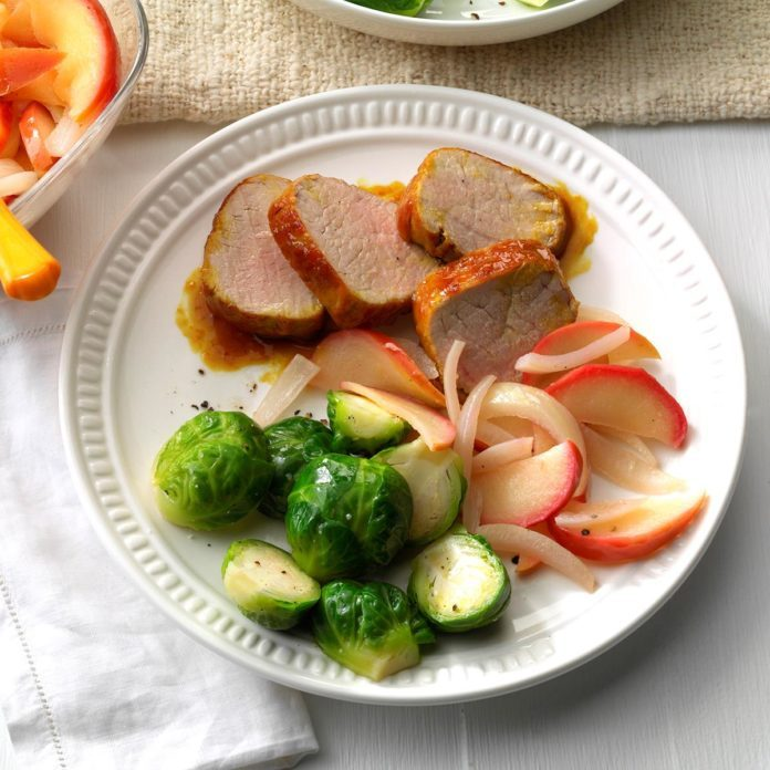 Day 17: Apple-Onion Pork Tenderloin