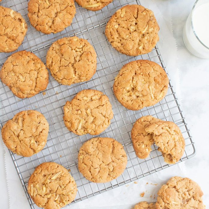 Apple Peanut Butter Cookies Exps Ft20 32876 F 0416 1 Home 3