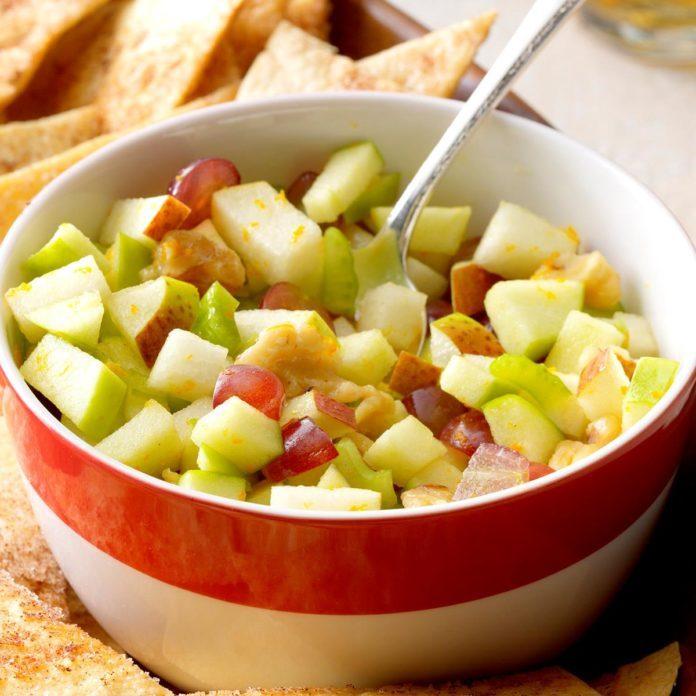 Apple Pear Salsa With Cinnamon Chips Exps Sdas17 18570 B04 06 6b 3