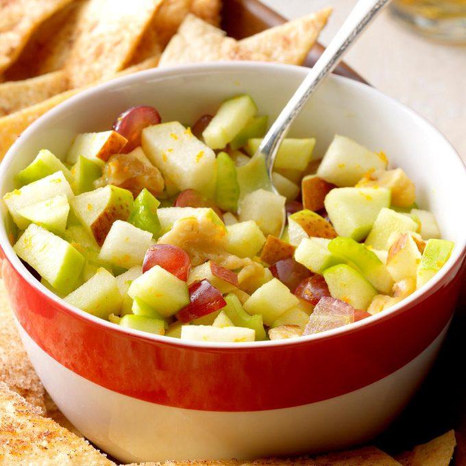 Apple Pear Salsa With Cinnamon Chips Exps Sdas17 18570 B04 06 6b 6