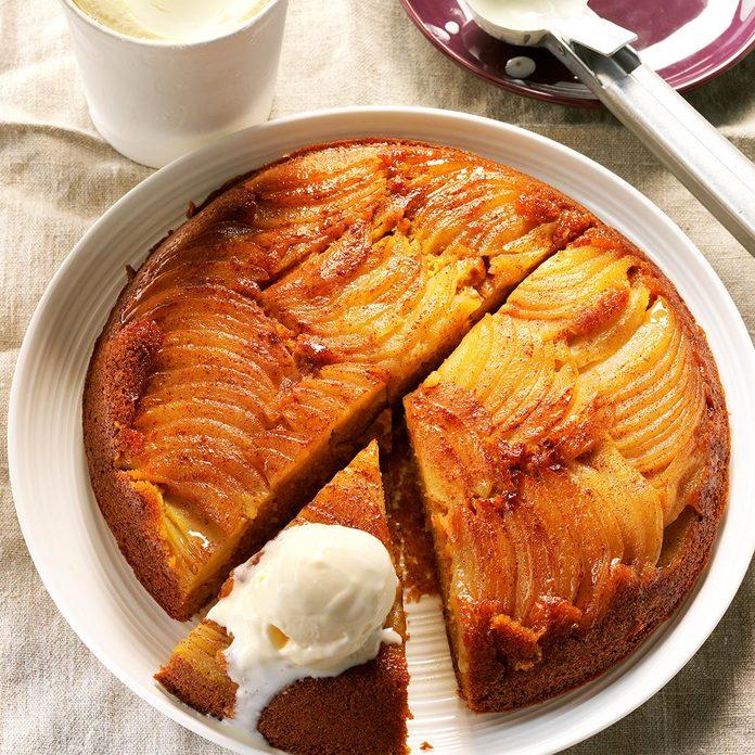 Apple Pumpkin Upside Down Cake Exps Thso17 203505 D04 20 6b 6