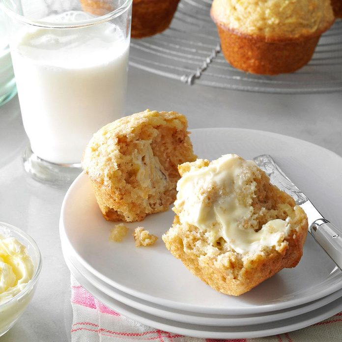 Apple Spice Muffins Exps34227 Fm143298d03 06 3bc Rms 2
