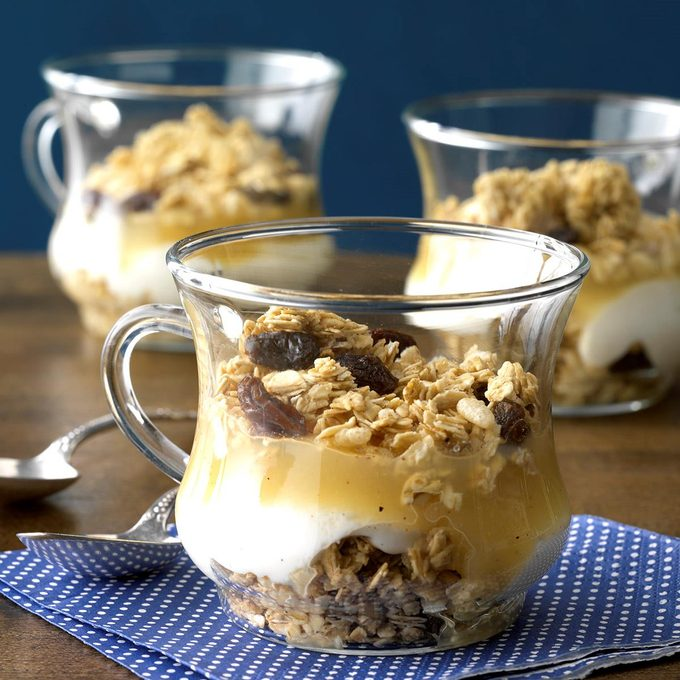 Apple Yogurt Parfaits Exps Hrbz17 44944 C08 30 3b 6