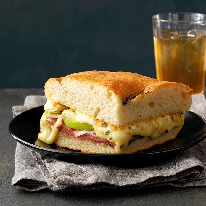 Apple N Prosciutto Sandwiches Exps Chmz19 33443 E10 31 7b 3