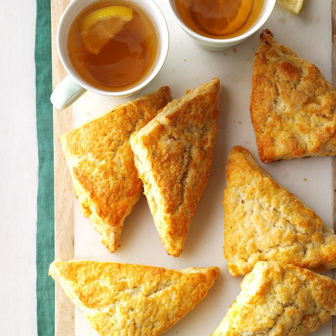 Apricot Rosemary Scones Exps Tham17 198411 C11 09 4b 3