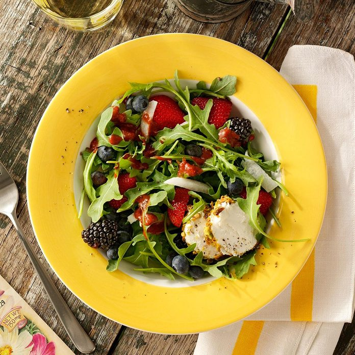 Arugula Salad with Berry Dressing