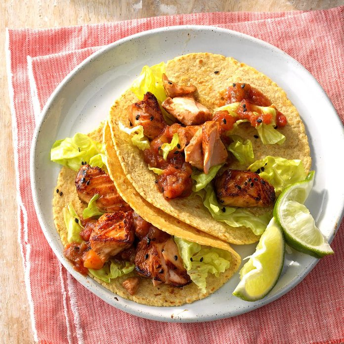Asian Salmon Tacos Exps Sdam18 199145 C12 01 1b 9