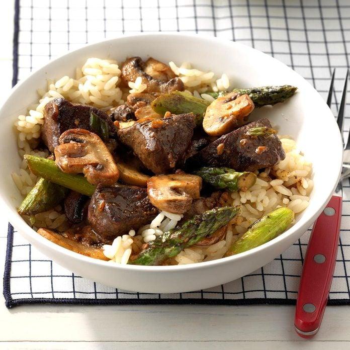 Asparagus Beef Saute Exps Sdam18 35653 C12 01 2b 2