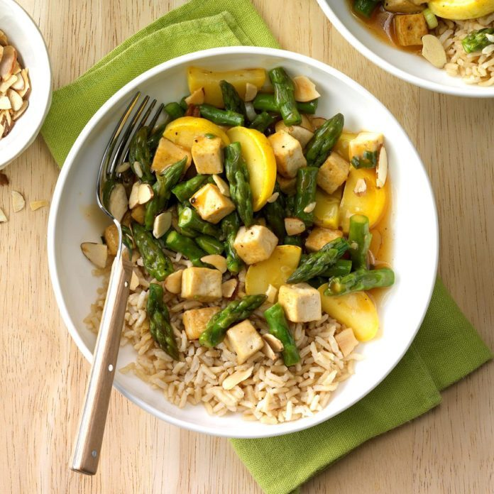 Day 25: Asparagus Tofu Stir-Fry