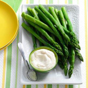 Asparagus with Horseradish Dip
