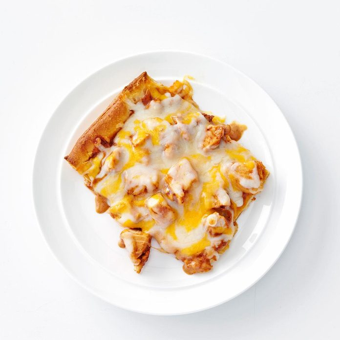 Bbq Ranch Chicken Pizza Exps107185 Th2379806a09 11 2bc Rms 2