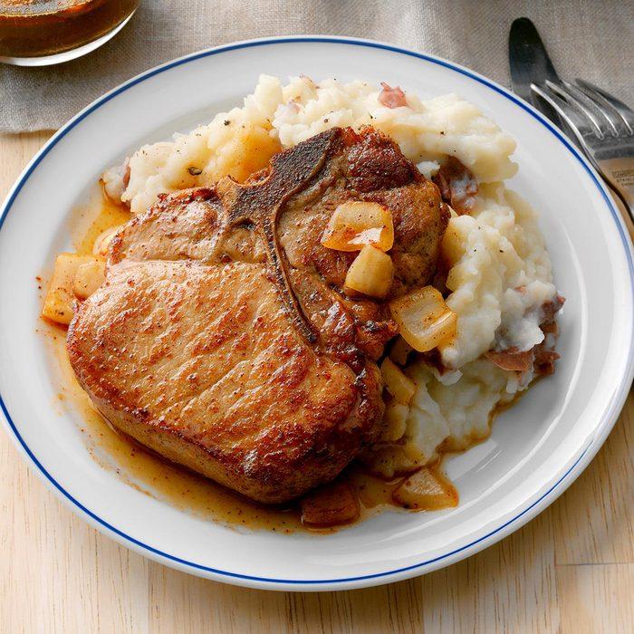 Baked Saucy Pork Chops Exps Sddj17  17351 B08 03 2b