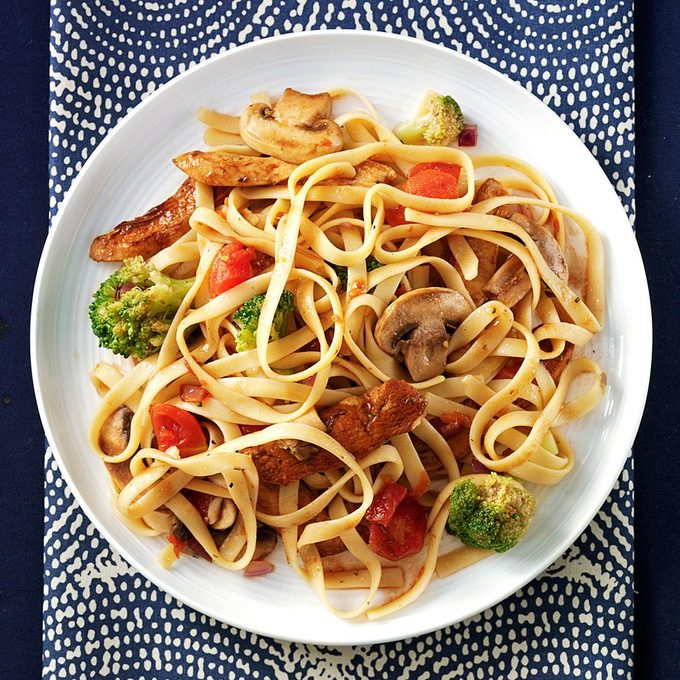 Balsamic Chicken Fettuccine Exps138807 Sd2232457c08 19 1bc Rms 2