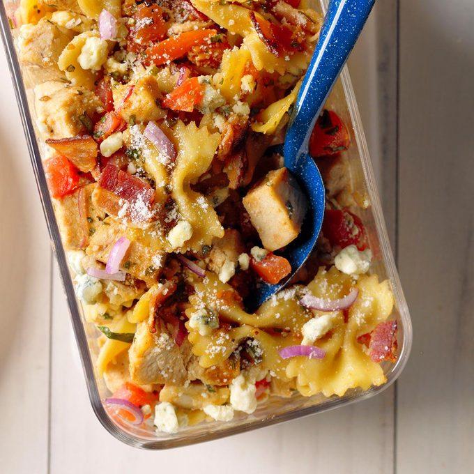 Balsamic Chicken Pasta Salad Exps Mtbz18 44698 B03 13 5b 7