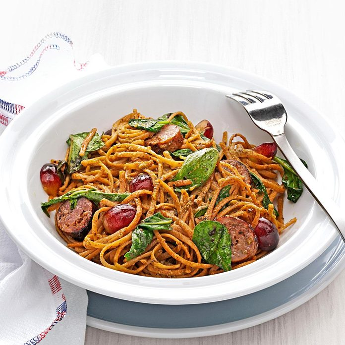 Balsamic Roasted Sausage And Grapes With Linguine Exps155937 Th237979803 01 3bc Rms 2