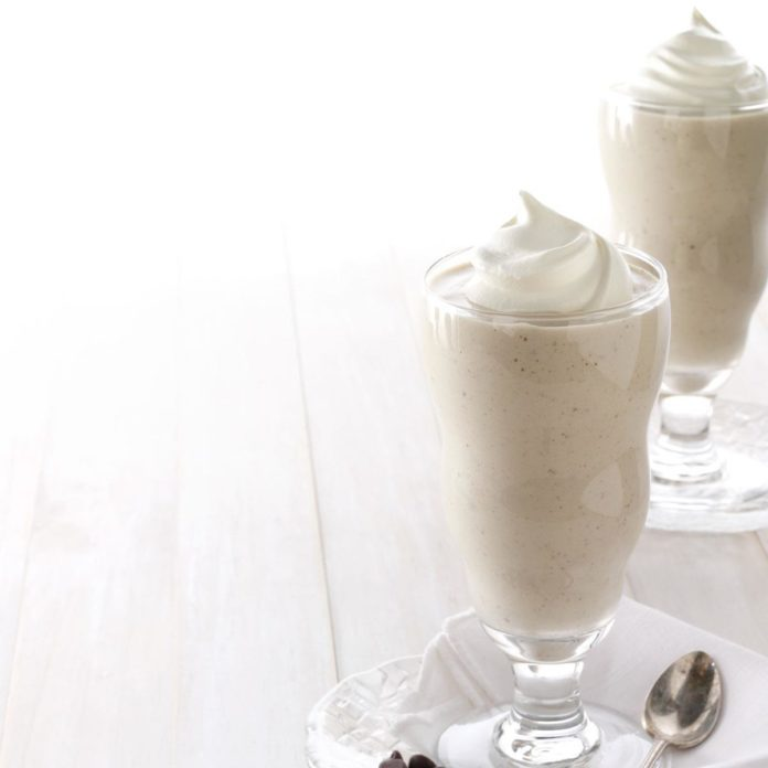 Banana-Almond Milk Shakes