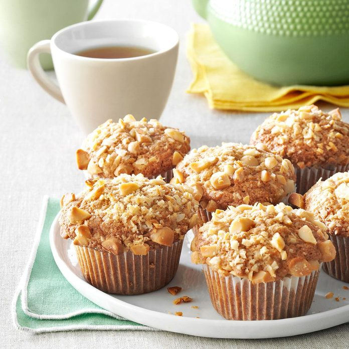 Banana Macadamia Muffins Exps36760 Fm143298d03 06 1bc Rms 3
