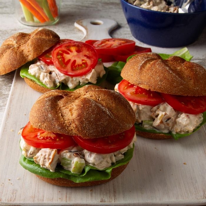 Barbecued Chicken Salad Sandwiches Exps Ft20 23027 F 0312 1