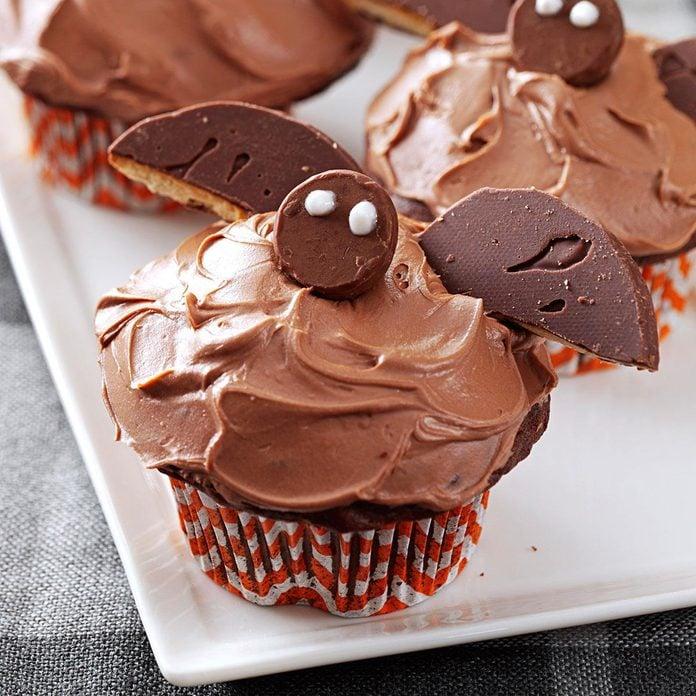 Bat Cupcakes Exps41016 Th132767c05 02 7bc Rms 4